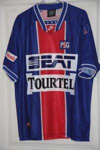 Réplique (modèle du commerce) maillot domicile 1994-95, version manches courtes, collection http://maillotspsg.wordpress.com