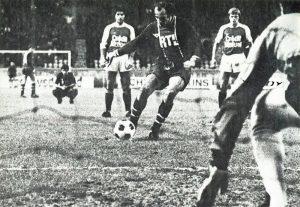 Penalty de Bianchi: 1-0!