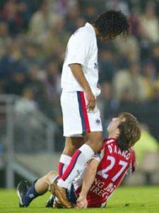 Ronaldinho en discussion avec un nordiste