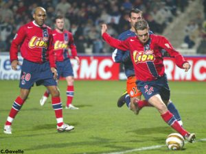 Sylvain Armand balle au pied