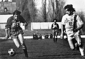 Louis Floch sur la pelouse du stade Yves-du-Manoir