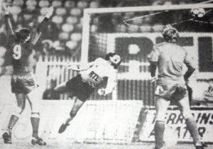 Dominique Baratelli s'incline devant Czongradi. 0-4...