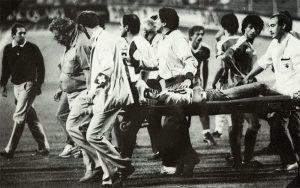 La sortie d'Omar Da Fonseca, victime d'une fracture de l'épaule