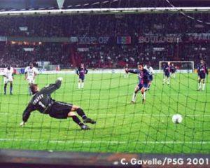 L'égalisation de Ronaldinho sur penalty