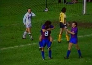 La joie de Maradona après son but tranche avec la détresse de Lemoult et de Baratelli