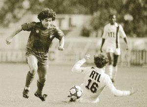Diego Maradona, fraîchement débarqué de Boca Junior