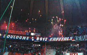 Les Boulogne Boys à l'entrée des joueurs