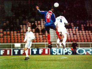 Pascal Nouma dans les airs...
