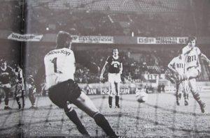 L'ouverture du score de Dominique Bathenay sur penalty