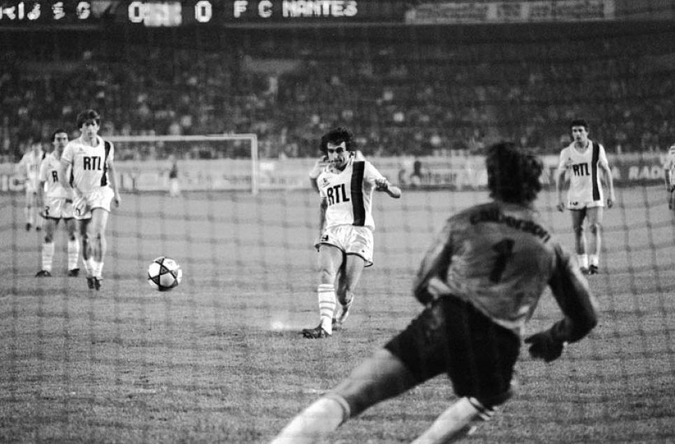 L'ouverture du score par Dominique Rocheteau, sur penalty