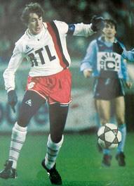 Luis Fernandez ball au pied
