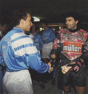 Joël Bats et Papin avant le match
