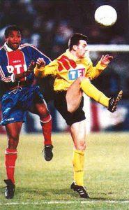 Antoine Kombouaré met la pression sur un adversaire
