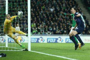 Le but de la poitrine de Zlatan Ibrahimovic