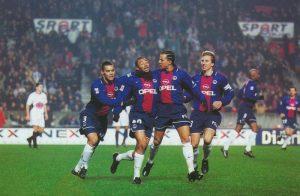 La joie des parisiens après le but d'Edouard Cissé