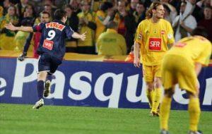 La joie de Pauleta après son but qui redonne l'avantage au PSG à 4 minutes du terme!
