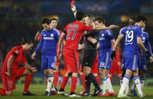 Zlatan Ibrahimovic est expulsé par l'arbitre à la 31ème