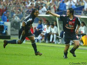 La joie d'Hugo Leal et de Ronaldinho après l'ouverture du score du 1er nommé (Ch. Gavelle)