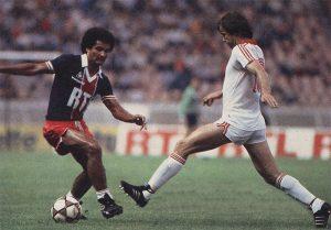 Gérard Janvion sera le héros malheureux du match, marquant le seul but… contre son camp!