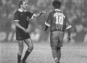 Valdo en discussion avec Monsieur Ramos