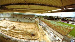 Le stade Emile-Albeau (à droite du nouveau stade en construction)