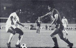 Jacques Novi face à Pelé