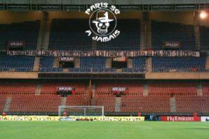Boulogne vide au début du match...