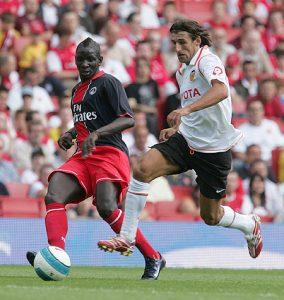 Mamadou Sakho devance un adversaire