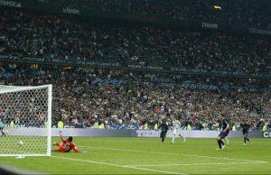 Zlatant Ibrahimovic redonne l'avantage au PSG sur penalty (photo L'Equipe)