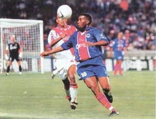9899_PSG_Monaco_Okocha3