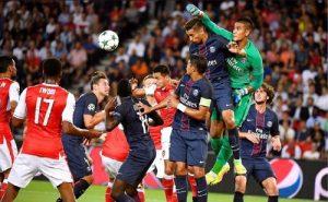 Intervention d'Alphonse Aréola, titularisé dans les buts parisiens (B. Papon)