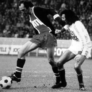 Bianchi protège sa balle (Vintage Football Club)