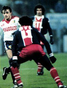 Omar Da Fonseca fait face à Plancque, sous les yeux de Dominique Rocheteau