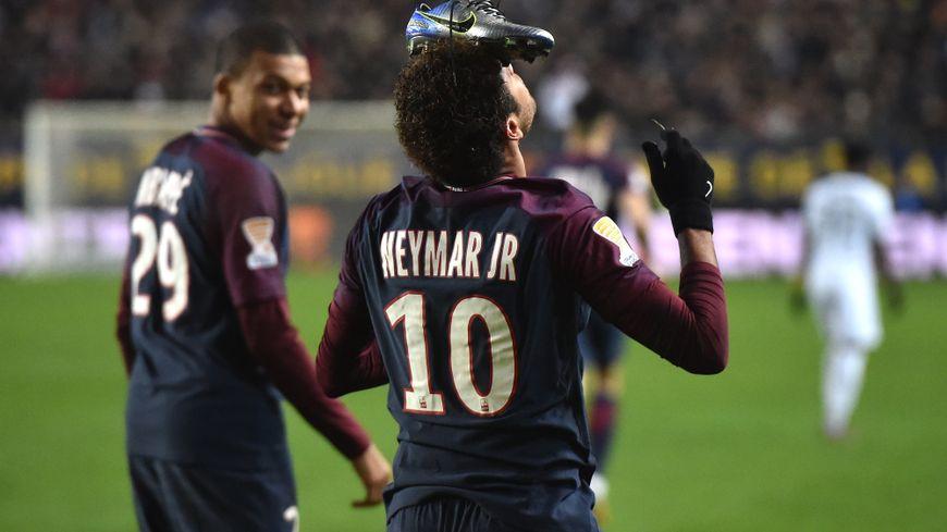 Neymar-Chaussures-Amiens-PSG